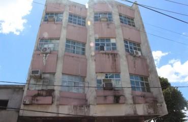LAUDO DO CORPO DE BOMBEIROS DIZ QUE PRÉDIO ATUAL SOFRE GRANDE RISCO DE DESABAMENTO