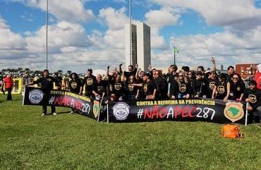 POLICIAIS CIVIS CAPIXABAS PROTESTAM EM BRASÍLIA CONTRA REFORMAS DO GOVERNO FEDERAL