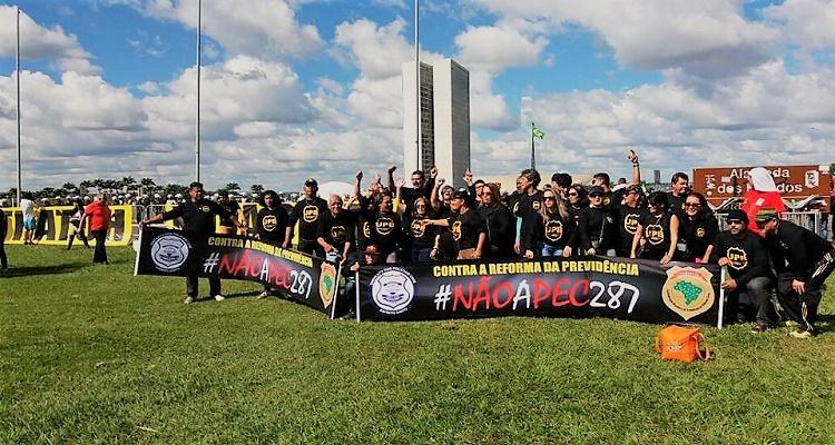 policiais-civis-capixabas-protestam-em-brasilia-contra-reformas-do-governo-federal