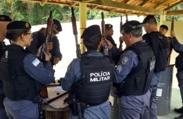 ESTANDE DE TIRO DO SINDIPOL/ES RECEBE POLICIAIS MILITARES PARA CURSO DE CAPACITAÇÃO EM ARMAMENTO E TIRO