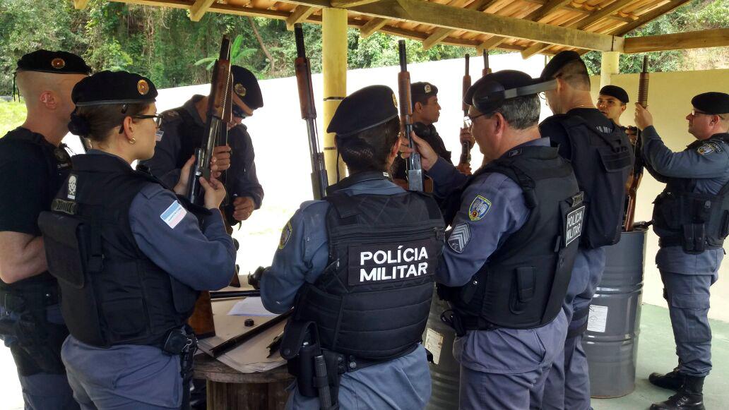 estande-de-tiro-do-sindipoles-recebe-policiais-militares-para-curso-de-capacitacao-em-armamento-e-tiro