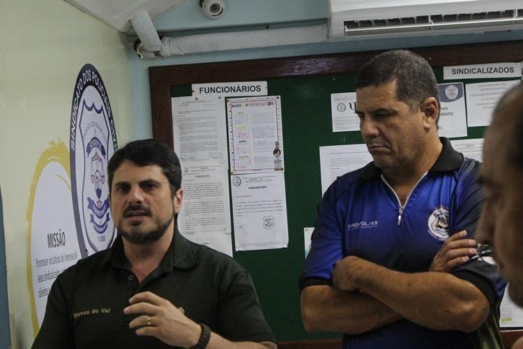 Marcos do Val, o presidente do Sindipol/ES, Jorge Emílio Leal e o diretor financeiro Aloísio Fajardo.