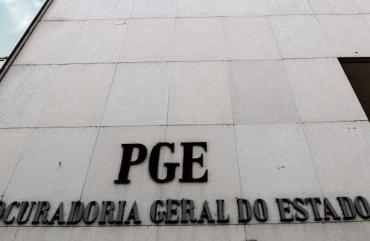 SINDIPOL/ES FAZ REUNIÃO COM PROCURADORES DA PGE