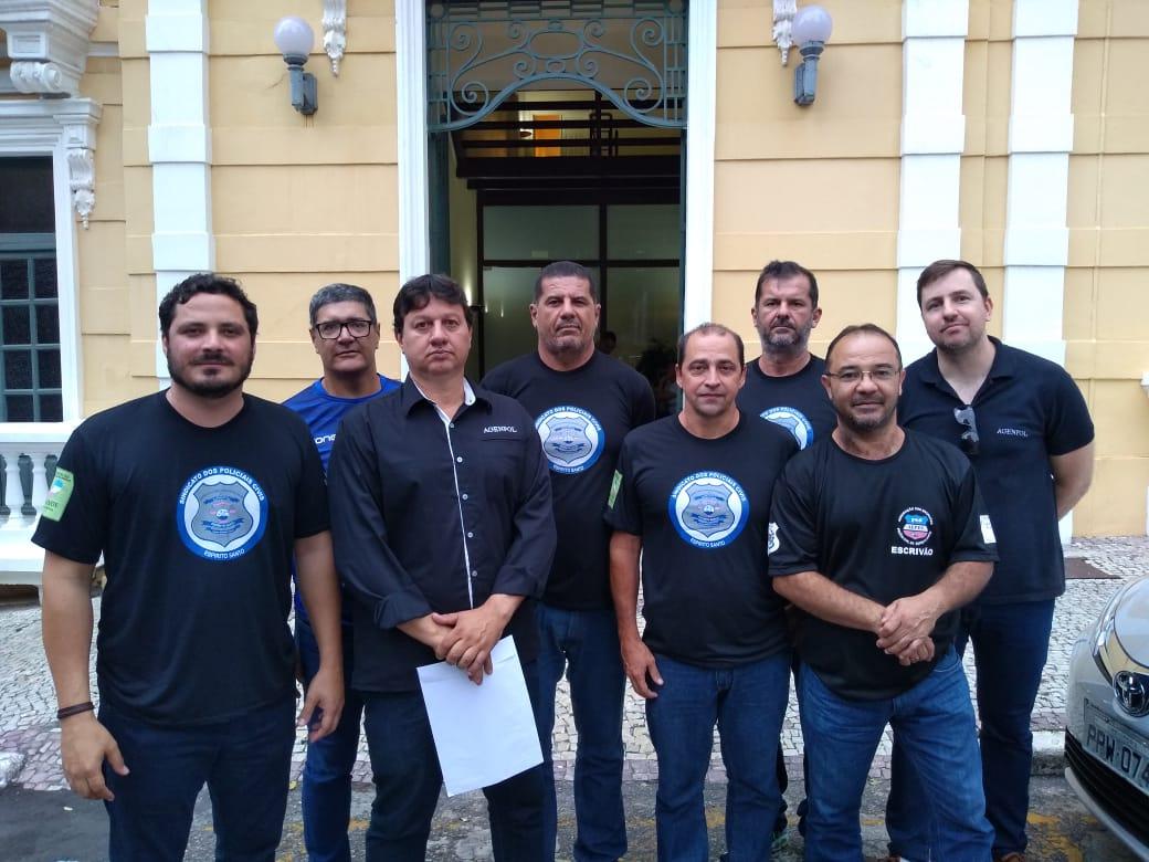 Representantes dos Policiais Civis são recebidos no Palácio Anchieta e iniciam negociações com o governo.