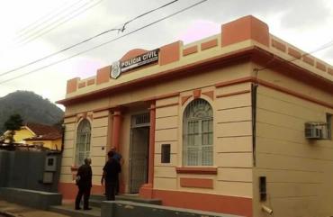 4H DE VIAGEM: POLICIAIS DE SANTA LEOPOLDINA PRECISAM IR ATÉ CACHOEIRO PARA REGISTRAR OCORRÊNCIAS