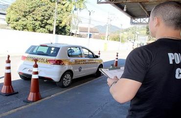 POLICIAIS CIVIS EXAMINADORES DE TRÂNSITO PRECISAM FAZER CURSO DE ATUALIZAÇÃO