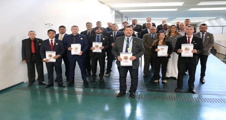 sindipoles-une-forcas-com-cobrapol-pela-aposentadoria-dos-policiais-civis-brasileiros
